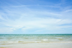 蓝色海岛王国酸值phangan被拍摄的海运天空热带的泰国 图库摄影