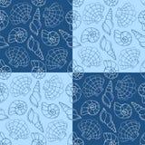 蓝色海扇壳无缝的样式 图库摄影