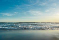蓝色海洋和海滩 库存照片