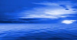 蓝色海洋天空 库存照片