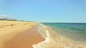 蓝色海洋软的波浪东部海滩的罗德岛美国 免版税库存图片
