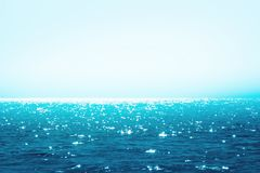 蓝色海运发光 库存图片