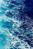 蓝色深海浪花水 免版税图库摄影