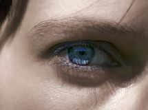 蓝色深眼睛 免版税图库摄影