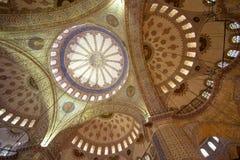 蓝色清真寺伊斯坦布尔内部  图库摄影