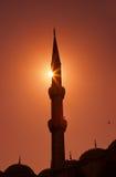 蓝色清真寺在日落的伊斯坦布尔土耳其 免版税库存照片