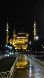 蓝色清真寺晚上 免版税图库摄影