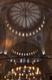 蓝色清真寺的内部,伊斯坦布尔 免版税图库摄影