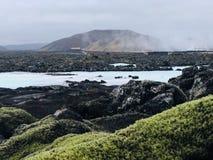蓝色湖在冰岛--美丽 库存图片