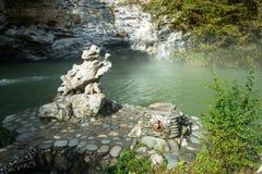 蓝色湖,阿布哈兹, 2015年10月13日 免版税库存照片