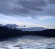 蓝色湖 免版税库存图片