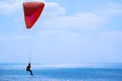 蓝色滑翔伞天空 图库摄影