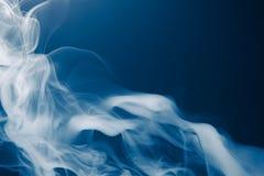 蓝色烟背景 库存图片
