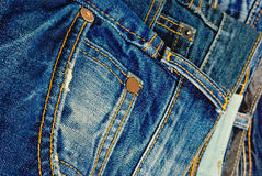 蓝色牛仔裤。 免版税库存照片