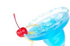 蓝色特写镜头鸡尾酒饮料玛格丽塔酒 图库摄影