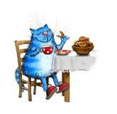 蓝色猫饮用的茶 免版税库存照片