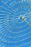 蓝色现代来回天空螺旋视窗 免版税库存照片