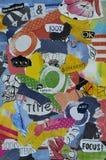 蓝色现代大气的颜色,红色,黄色,绿色,橙色,黑白心情委员会拼贴画板料由被撕毁的杂志纸w制成 库存图片