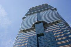 蓝色玻璃塔 免版税库存图片