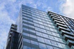 蓝色玻璃大厦角落办公室企业摩天大楼 库存图片
