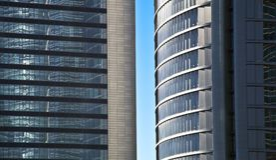 蓝色玻璃高层建筑物摩天大楼 免版税库存照片