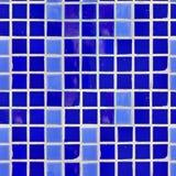蓝色瓦片墙壁纹理。 免版税库存照片