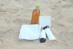 蓝色瓶保护防护星期日遮光剂 免版税库存照片