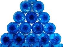 蓝色瓶堆塑料 免版税库存照片
