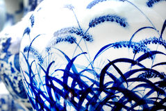 蓝色瓷白色 免版税图库摄影