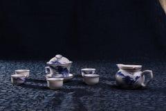 蓝色瓷集合茶 图库摄影