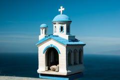 蓝色白色教会模型,桑托林岛 免版税图库摄影