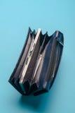 蓝色皮革钱包 免版税库存照片