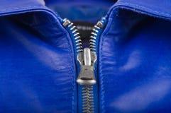 蓝色皮革锁定的拉链 图库摄影