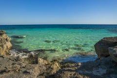 蓝色盐水湖加勒比海 免版税图库摄影
