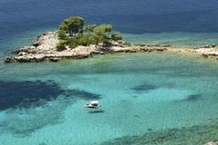 蓝色盐水湖在克罗地亚 免版税图库摄影