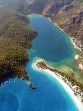 蓝色盐水湖在土耳其 免版税库存照片
