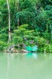 蓝色盐水湖老挝vang vieng 库存照片