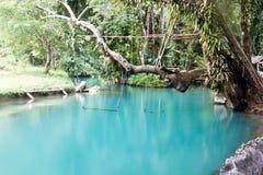 蓝色盐水湖老挝vang vieng 库存图片