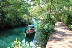 蓝色盐水湖, Krabi,泰国 库存图片