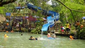 蓝色盐水湖, Vang vieng 免版税图库摄影