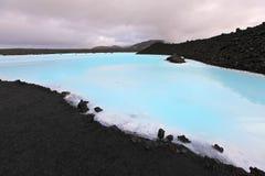 蓝色盐水湖 图库摄影
