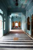 蓝色空间(内部) Udaipur的城市宫殿 免版税库存照片
