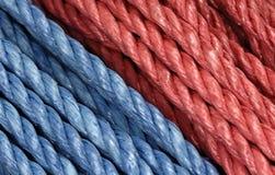 蓝色红色绳索 库存图片