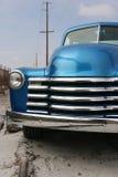 蓝色经典装货发光的卡车 图库摄影