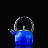 蓝色罐茶 免版税库存照片