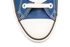 蓝色老运动鞋顶视图 图库摄影