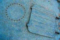 蓝色舱口盖 免版税库存图片