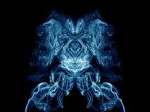 蓝色艺术性的烟 免版税库存图片