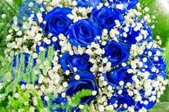 蓝色花束开花玫瑰 免版税库存照片