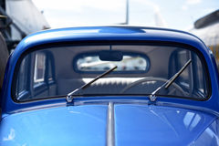 蓝色葡萄酒汽车细节  库存照片